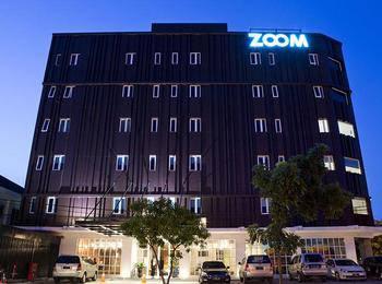Zoom Hotel Jemursari