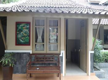 Ndalem Suratin Guest House