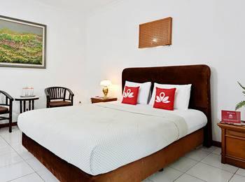 ZenRooms Villa Duta