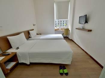 Whiz Hotel Yogyakarta - Whiz Twin - room only Regular Plan