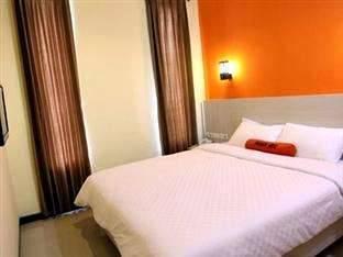 Hotel Halogen Surabaya - Standard Room Regular Plan