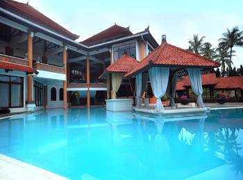 Royal Trawas Hotel Cottages