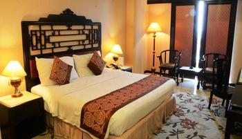 Garden Palace Surabaya - Deluxe Theme Room BOMBASTIS