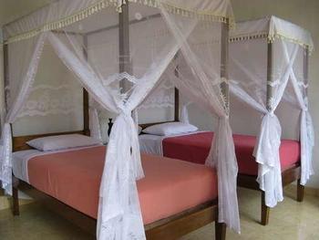 Karang Sari Guest House & Restaurant