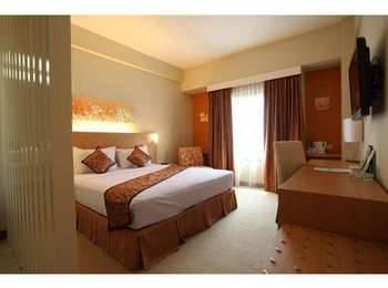 Kartika Graha Hotel Malang - Deluxe Room Special Promo