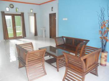 Simply Homy Guest House Sawit Sari 2