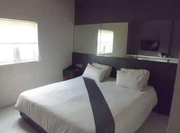 Candi Hotel Medan - Executive Room Double Regular Plan
