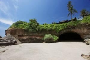 Soka Indah Bali - Batcave