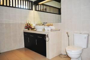 Tanjung Lima Villas Bali - Bathroom