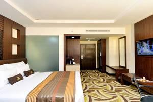 Cavinton Hotel Yogyakarta - executive room