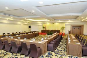 Cavinton Hotel Yogyakarta - meeting room