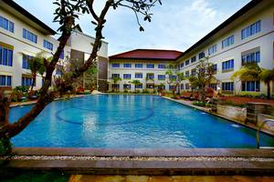 Aston Tanjung Pinang - Swimming Pool