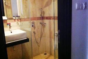 Gino Feruci Kebon Jati - bathroom superior
