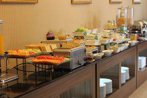Hotel Arjuna Yogyakarta - Buffet
