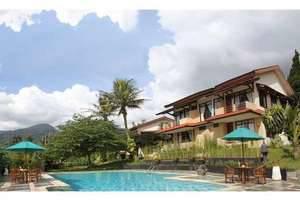 The Jayakarta Cisarua - Pool & Building