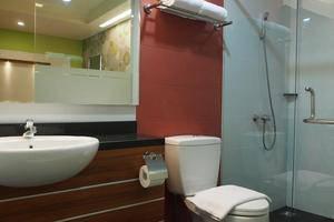 Hotel Bed andBreakfast Surabaya - Bathroom