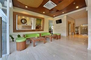 Whiz Hotel Yogyakarta - Lobby