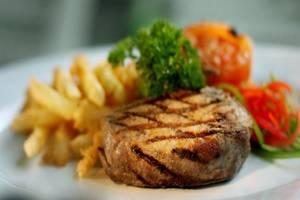 favehotel Kusumanegara - Food