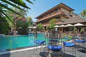 Wina Holiday Villa Kuta - Pool