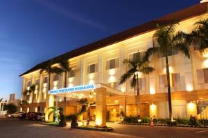 Hotel New Saphir Yogyakarta - Front View