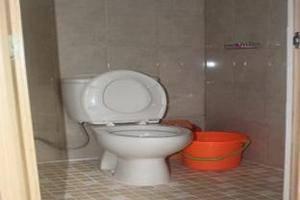 Ndalem Pundhi Guest House Yogyakarta - Bathroom