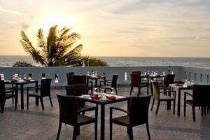 The Acacia Hotel  Anyer - Restaurant (high)