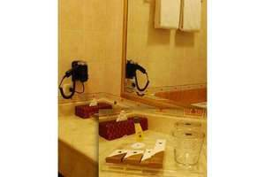 Blue Sky Pandurata Jakarta - Bathroom amenities