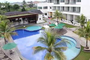 Horison Ultima Purwokerto - Swimming pool