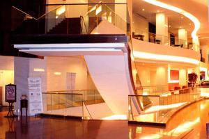 Merlynn Park Hotel Jakarta - 2nd Floor Lobby