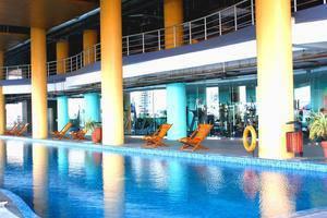 Merlynn Park Hotel Jakarta - Swimming Pool