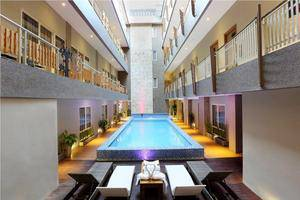 Rivavi Kuta Beach Hotel Bali - swimming pool
