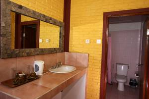 Guest House Kudos Bali - Bathroom