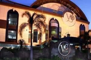 V3 Hotel Surabaya - Exterior