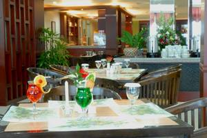 UB Hotel Malang - SourSop Coffee Shop