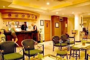 Losari Metro Hotel Makassar - Lobby and Reception
