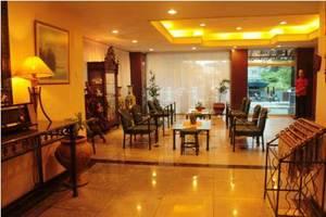 Losari Metro Hotel Makassar - Lobby