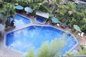 Kartika Graha Hotel Malang - Pool