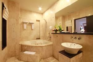 The Lokha Legian Bali - Super deluxe bathroom
