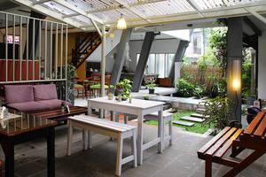 Rumah Asri Bandung - Dinning Room