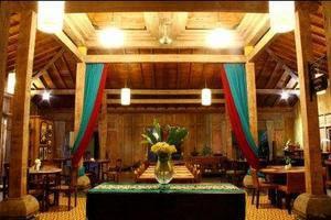 Rumah Batu Villa Solo - Raja Restaurant