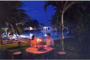 Pelangi Hotel And Resort Tanjung Pinang - Pool Night