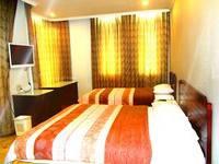 Hotel Alpine Jakarta Family Single Double.