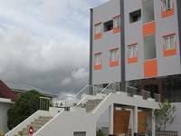 Prima Dini Hotel Bukittinggi Facade