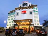 Grand Rocky Hotel Bukittinggi Facade