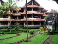 Hotel Pusako Bukittinggi Exterior
