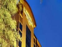 Harmoni Suites Hotel Batam Facade