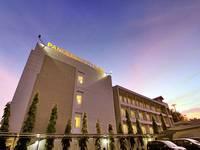 Hotel Pangeran City Padang Exterior