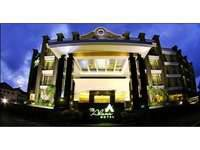 The Axana Hotel Padang Appreance / Building