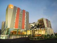 gambar V Hotel & Residence