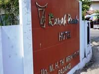 Hotel Ranah Bundo Padang Facade